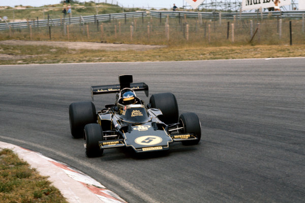 Zandvoort, Holland. 20-22 June 1975. Ronnie Peterson (Lotus 72E-Ford), retired, action.  World Copyright: LAT Photographic. Ref: 75HOL41