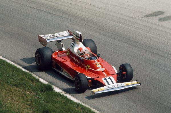 Monza, Italy. 5 - 7 September 1975.Clay Regazzoni (Ferrari 312T), 1st position, action. World Copyright: LAT Photographic.Ref:  75ITA01.