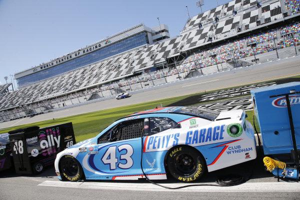 #43: Erik Jones, Richard Petty Motorsports, Chevrolet Camaro