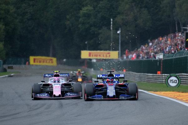 Lance Stroll, Racing Point RP19, battles with Daniil Kvyat, Toro Rosso STR14