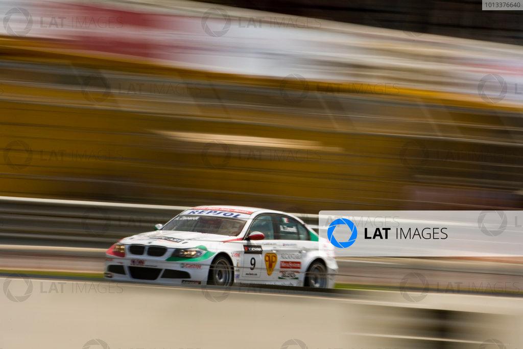 Valencia, Spain. 29th - 31st May 2009. Alessandro Zanardi, BMW 320si. Action. World Copyright: Drew Gibson/LATref: Digital Image _Y2Z5572