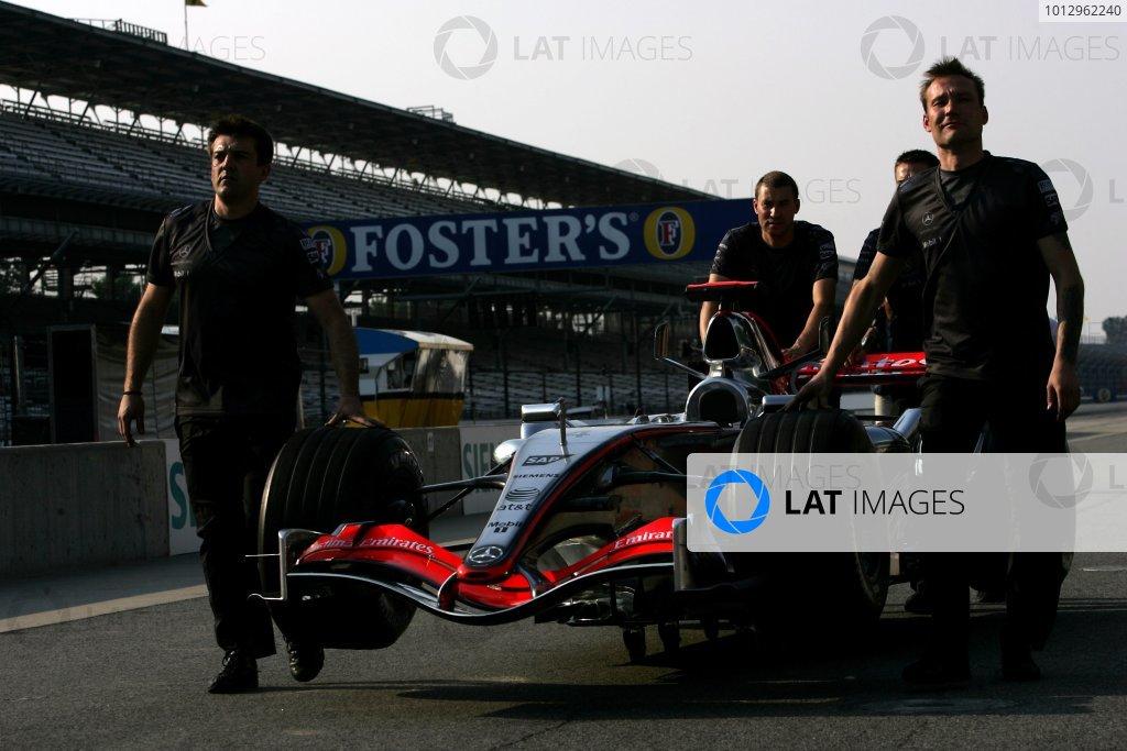 2006 USA Grand Prix - Friday Practice