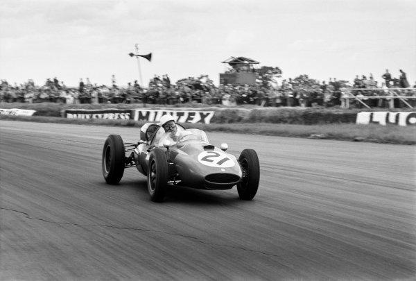 1960 British Grand Prix. Silverstone, England. 16th July 1960. Gino Munaron (Cooper T51-Ferrari), 15th position, action. World Copyright: LAT Photographic. Ref: 619 - 21.