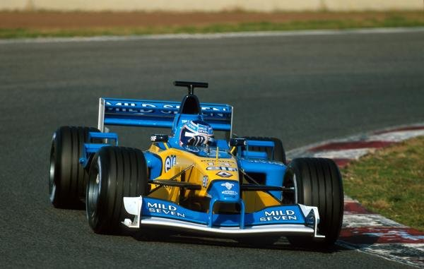 Jenson Button (GBR) puts the Renault F1 R202 through its paces for the first time.Formula One Testing, Barcelona, Spain, 27-31 January 2002.