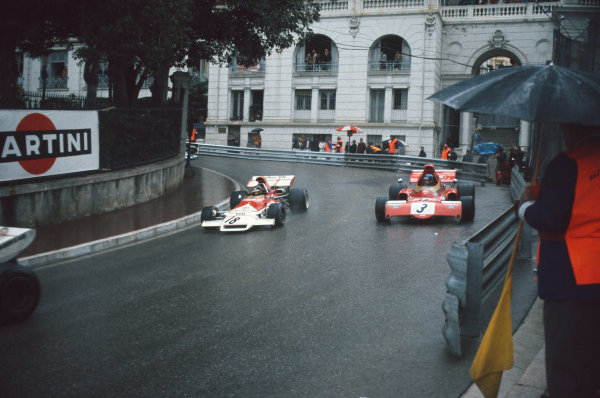 1972 Monaco Grand Prix.  Monte Carlo, Monaco. 11-14th May 1972.  Peter Gethin, BRM P160B, leads Ronnie Peterson, March 721X Ford, at Mirabeau.  Ref: 72MON23. World Copyright: LAT Photographic