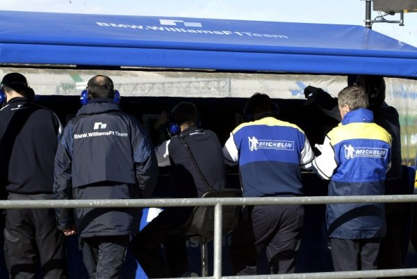 The engineers from Michelin dicuss the tyre's progress with the Williams team