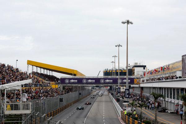 2016 Macau Formula 3 Grand Prix Circuit de Guia, Macau, China 17th - 20th November 2016 Start formation lap. World Copyright: XPB Images/LAT Photographic ref: Digital Image XPB_855361_HiRes