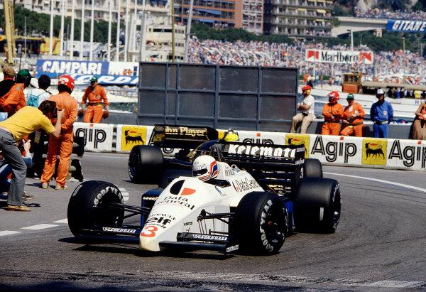 1986 Monaco Grand Prix. Monte Carlo, Monaco. 8-11 May 1986. Martin Brundle (Tyrrell 015 Renault). Ref-86 MON 71. World Copyright - LAT Photographic