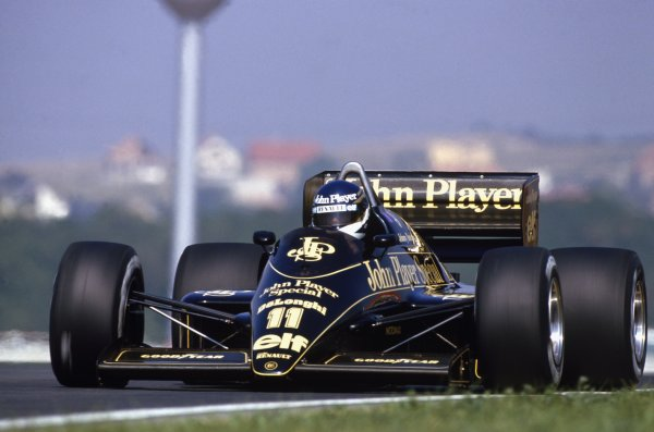 1986 Hungarian Grand PrixHungaroring, Hungary. 8th - 10th August 1986. Rd 11.Johnny Dumfries, Lotus 98T-Renault, 5th position, action.World Copyright: LAT Photographic.