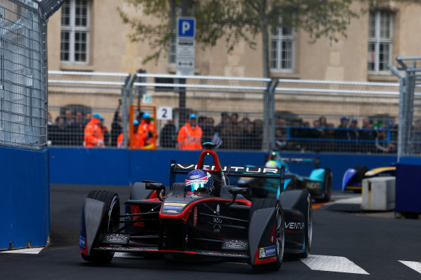 2015/2016 FIA Formula E Championship. Paris ePrix, Paris, France. Saturday 23 April 2016. Stephane Sarrazin (FRA), Venturi VM200-FE-01. Photo: Glenn Dunbar/LAT/Formula E ref: Digital Image _W2Q1953