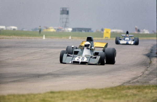 Rikky von Opel, Ensign N173 Ford leads Jackie Stewart, Tyrrell 006 Ford.