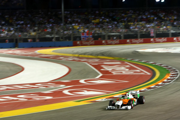 Marina Bay Circuit, Singapore.24th September 2011.Adrian Sutil, Force India VJM04 Mercedes. Action. World Copyright: Andy Hone/LAT Photographicref: Digital Image CSP28325